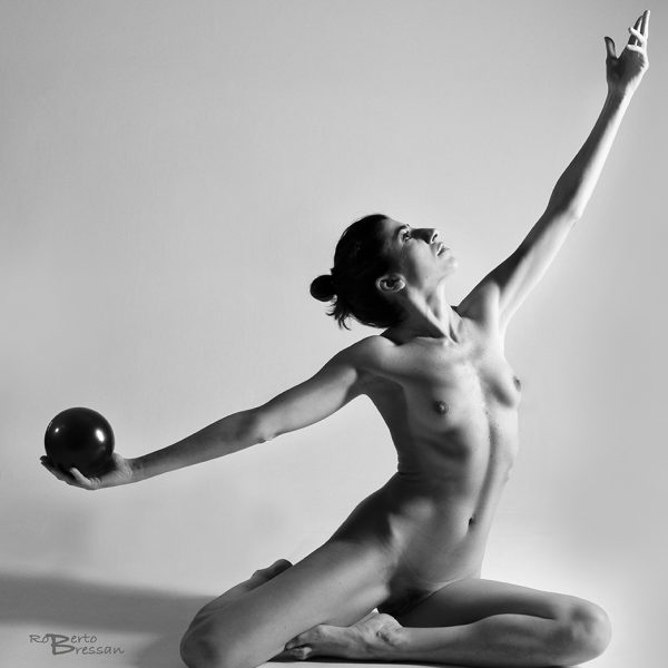 Nude art Roberto Bressan photo